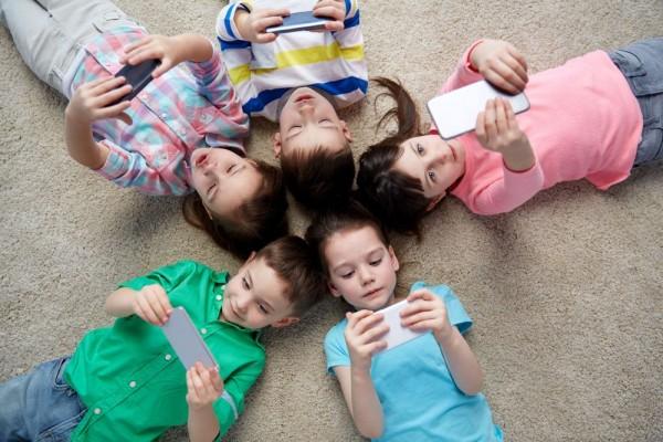 Fórum Outubro: Dependência da Internet
